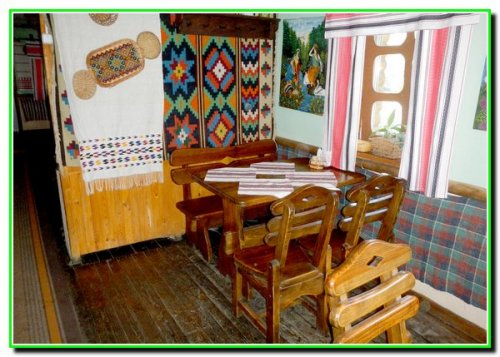 "Кафе-музей ""Весела скриня"""