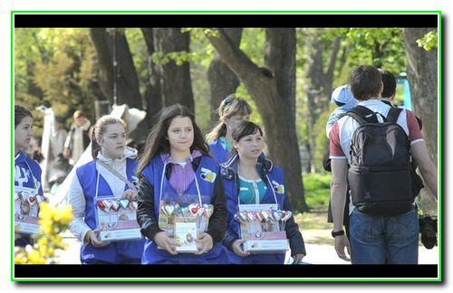 Волонтери проекту «Україна без сиріт»