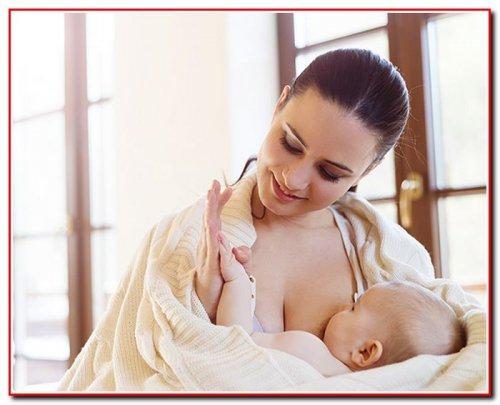Як правильно годувати дитину грудьми
